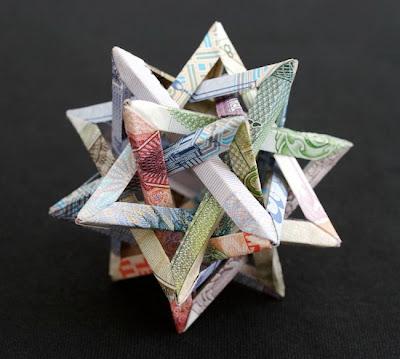 Сложная фигура-оригами в виде тетраэдра Безье