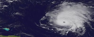 Hurrikan OPHELIA: Zwei Abweichungen von der gestrigen Vorhersage sind bedeutend für Bermuda, Ophelia, major hurricane, Verlauf, Vorhersage Forecast Prognose, aktuell, September, Oktober, 2011, Hurrikansaison 2011, Satellitenbild Satellitenbilder, Bermudas, Atlantik,