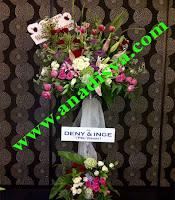 bunga standing ulang tahun pernikahan