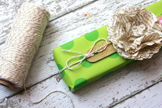 Paper Flower Gift Wrap | iloveitallwithmonikawright.com