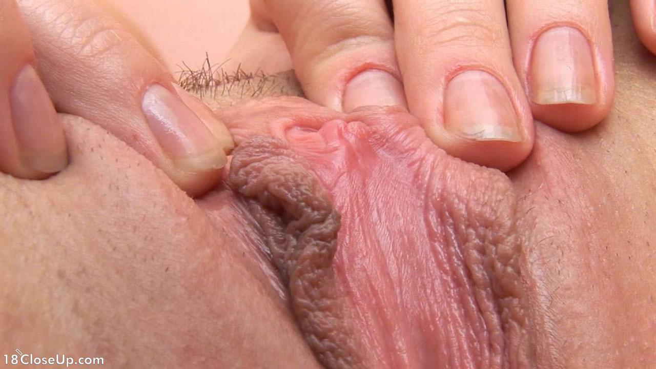 klitori-i-vlagalisha-krupnim-planom