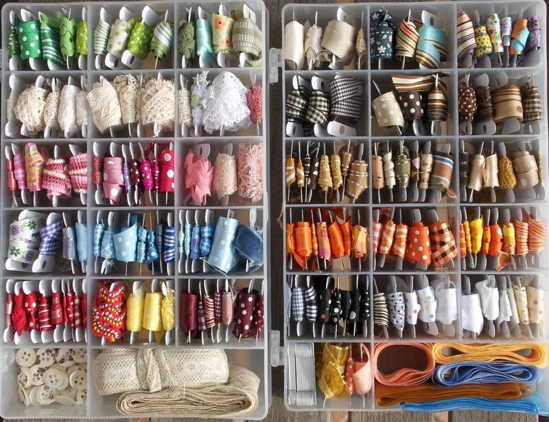 tays rocha craft rooms organize suas fitas com criatividade. Black Bedroom Furniture Sets. Home Design Ideas