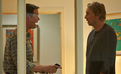 Peter Krause y Dax Shepard en The Waiting Room