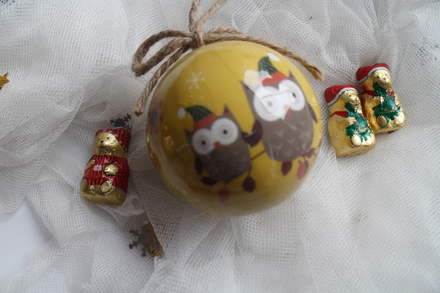 christmas, christmas decorations, accessorize christmas, lindt chocololate, cath kidston christmas, cheap decorations,