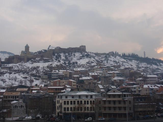 Тбилиси: рядом с источником серы
