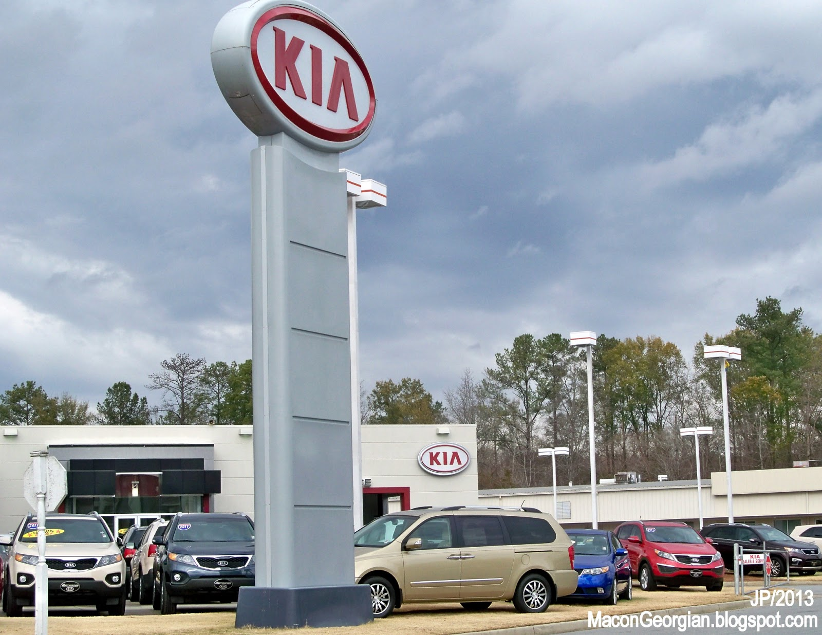 KIA HUTCHINSON MACON GEORGIA River Place Dr., Hutchinson Kia Automotive Car  Sales Auto Service Bibb County Macon GA.