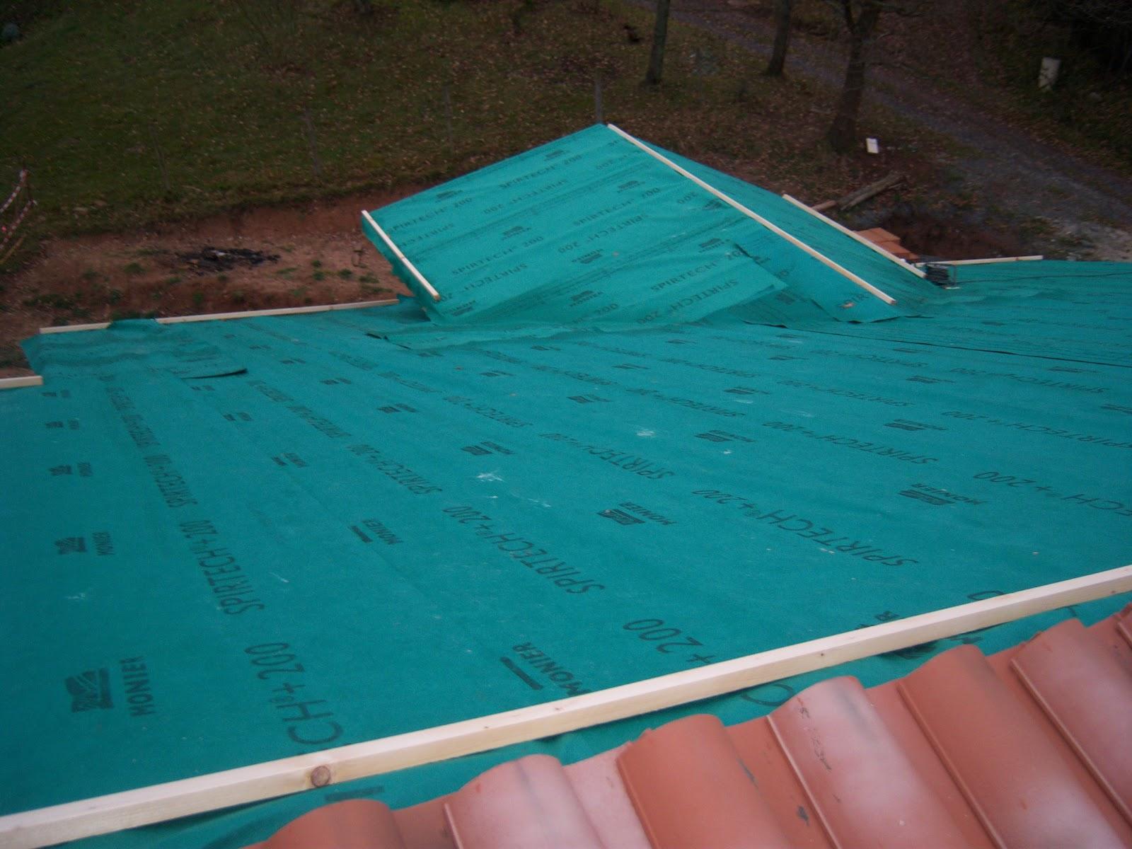 Andocarpinteando tejado con aislante de fibras de madera for Tejados de madera con tela asfaltica