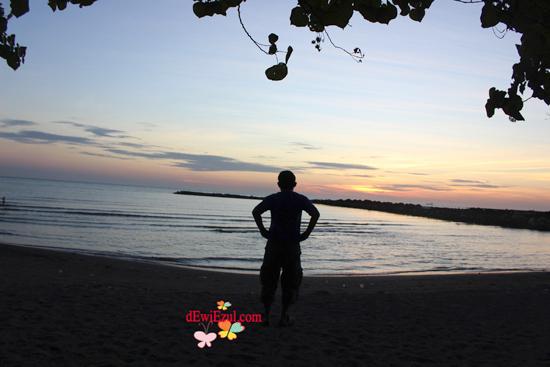 Indahnya View Sunset di pantai Akkarena
