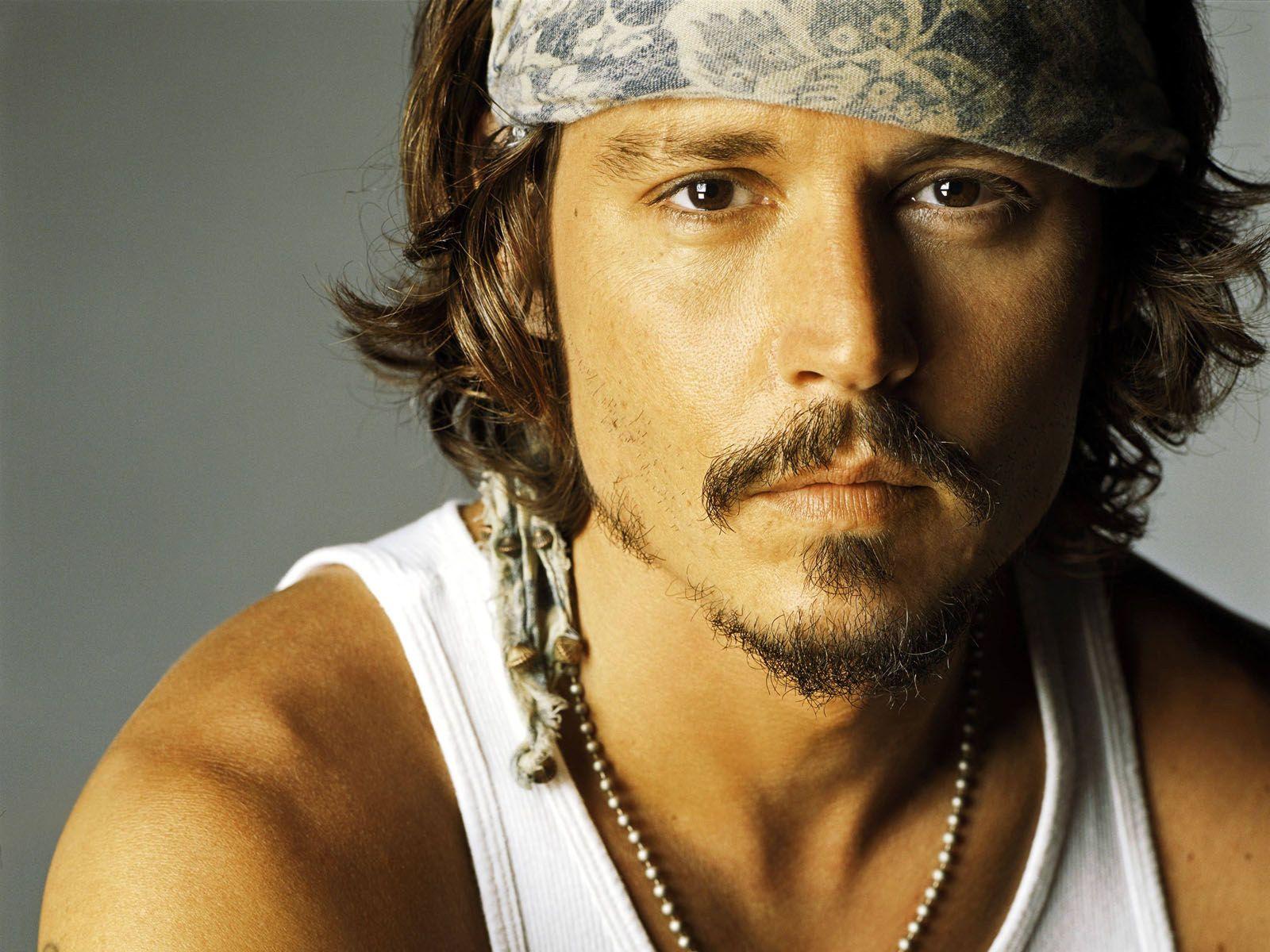 http://1.bp.blogspot.com/-qJgXXdJwY_k/T-L8_p2N96I/AAAAAAAACdQ/ViEag5eLz3U/s1600/Johnny+Depp+17.jpg