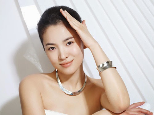 SongHyeGyo is one of the top attractive and talent actresses in Korea ...