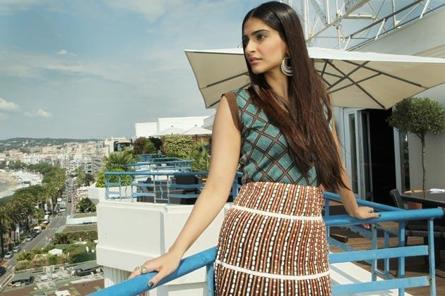 Sonam Kapoor Cannes balcony