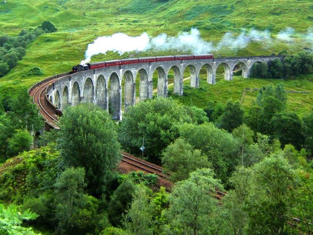 Image from http://en.wikipedia.org/wiki/Glenfinnan_Viaduct