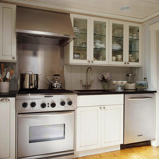 Below Is A Picture Of A Shorter Hood Mounted Up At The Ceiling. This  Kitchen Actually Looks Like It Might Be Shorter Than 8 Feet To Me.