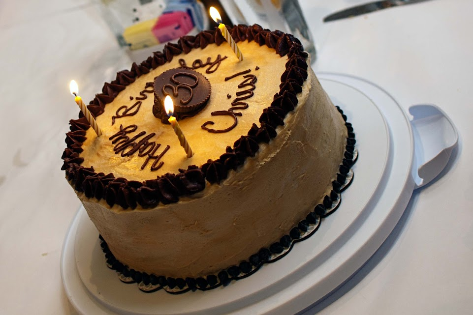 ... Kitchen Chronicles: Chocolate Peanut Butter Cup Cheesecake Cake