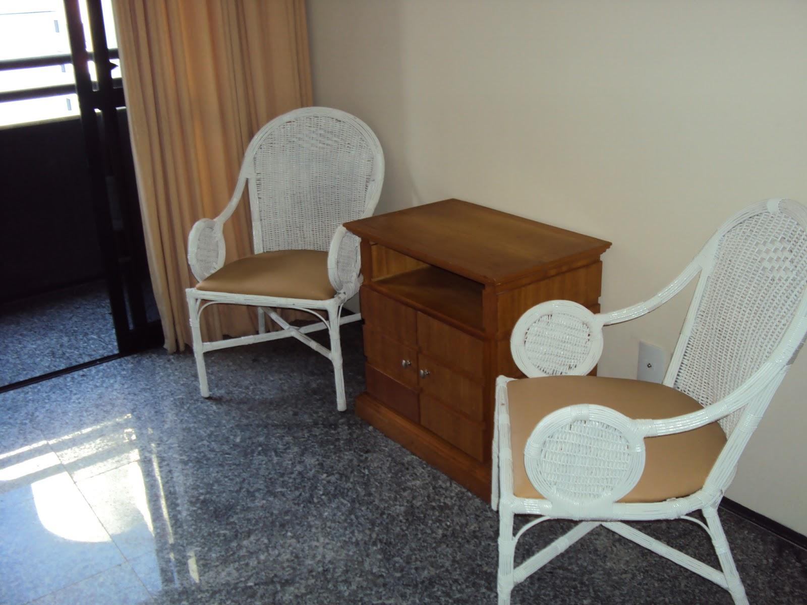 Imagens de #644328 Na cozinha temos eletrodomésticos de fácil manuseio como: cafeteira  1600x1200 px 3548 Blindex Banheiro Fortaleza