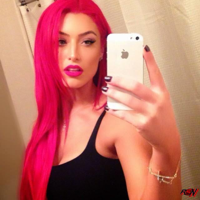 Another Sexy Selfie Of WWE Diva Eva Marie.