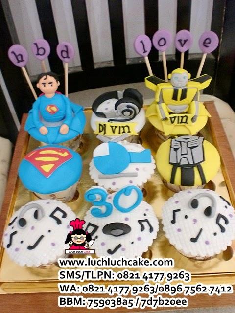 Cupcake Superman, Transformer, dan DJ daerah Surabaya - Sidoarjo