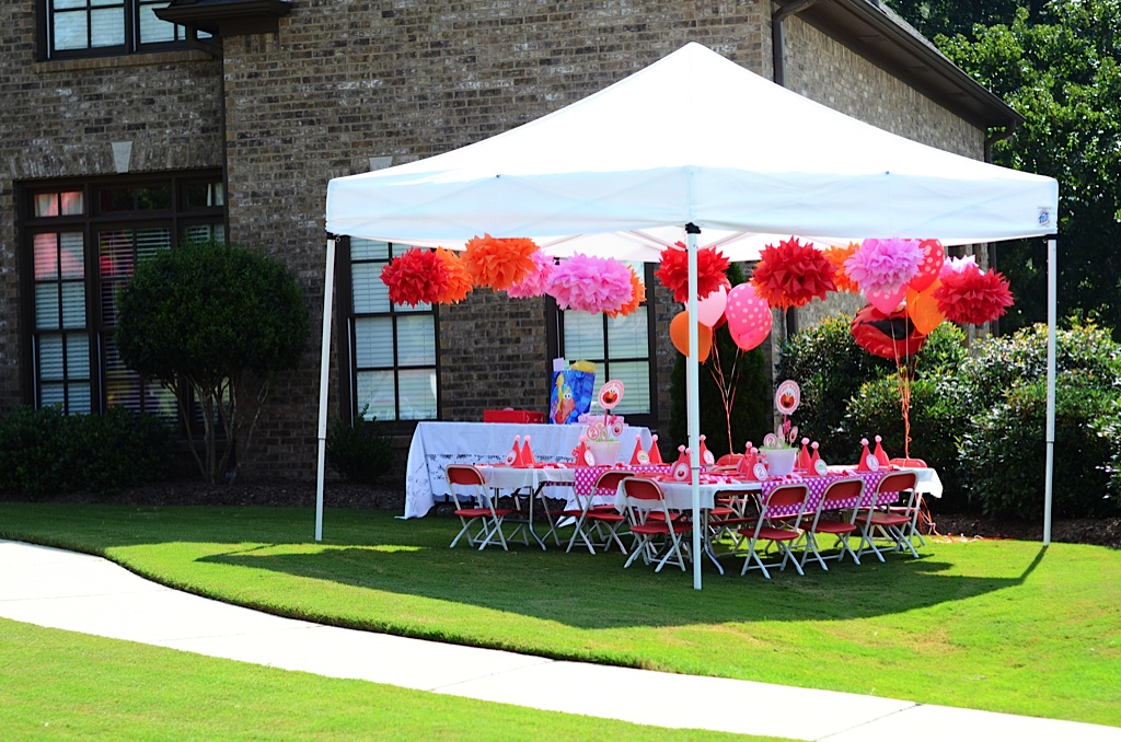 michelle 39 s pink polka dot elmo birthday party polka dot ForOutdoor Party Tent Decorating Ideas