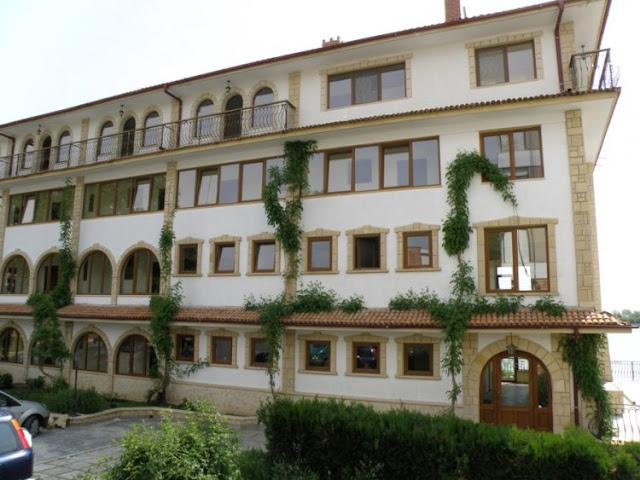 Cazare - hoteluri -  statiunea - Neptun - 2015