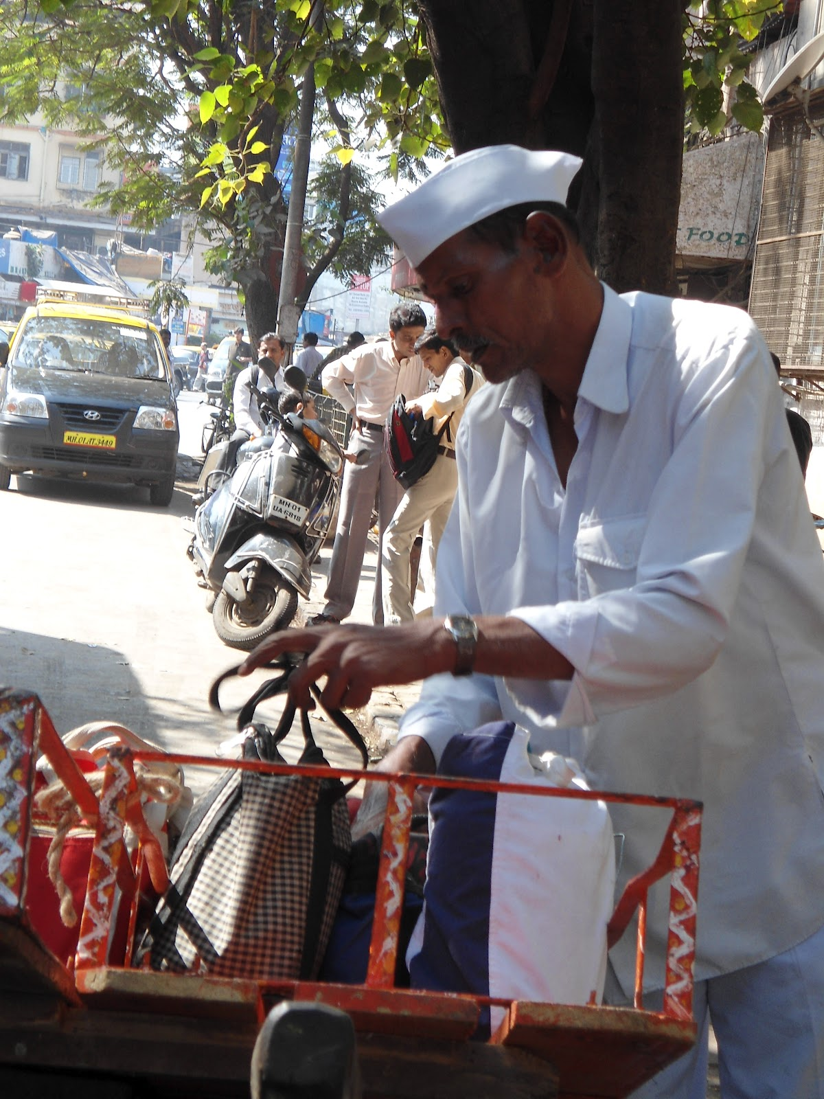 mumbai dabbawalas nmtbsa How do mumbai's dabbawalas work what is their work this is the advertisement page for our mumbai dabbawala any one can contact to us or.