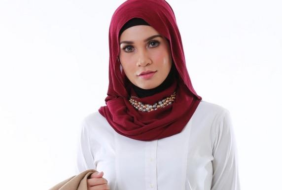 Izreen Azminda Hanya Tertarik Kepada Lelaki Berduit