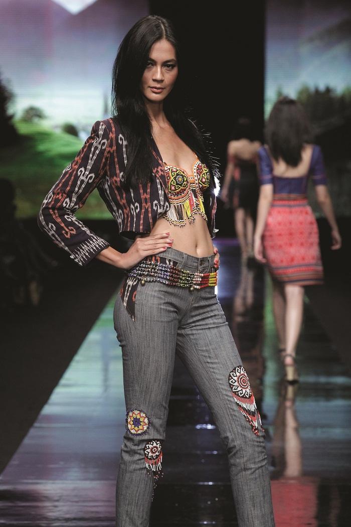 Paula Verhoeven model tertinggi indonesia, model tertinggi, info selebritis, indonesia model, model indonesia, model tertinggi indonesia saat ini