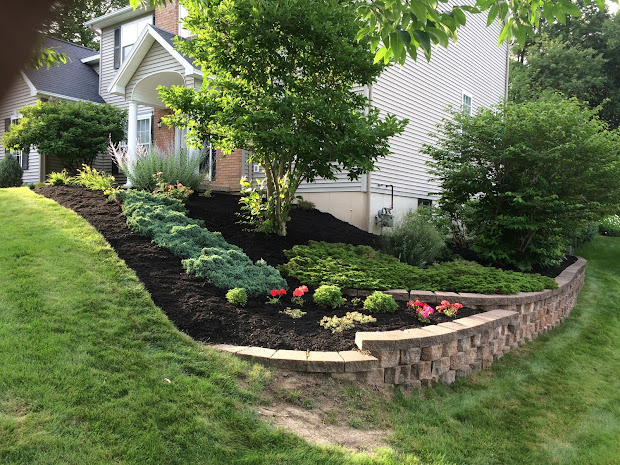 bryk city landscaping mulch spreading