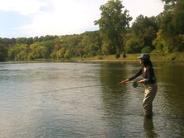 Flygirl Hyun Kounne spey casting on Grand River, Paris Ontario