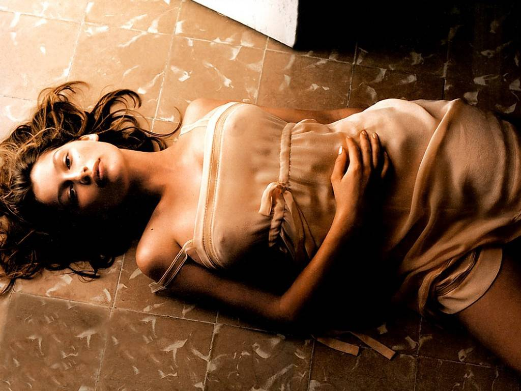 Natalie Imbruglia in addition 12 additionally Miranda Kerr Hot Pictures besides Hollywood Actresses Names With Photos also Laetitia Casta Wallpapers. on top highest paid hollywood female