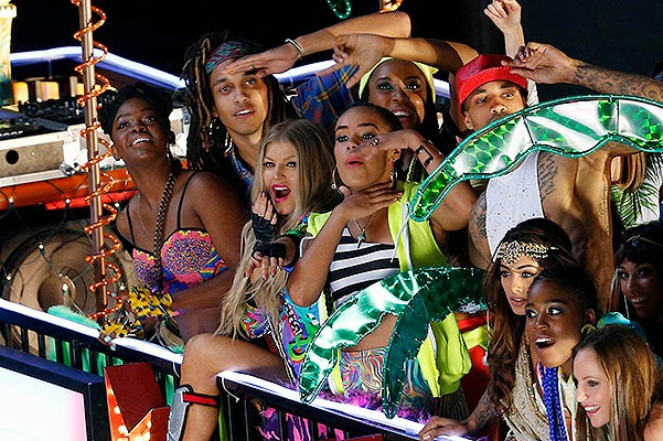 LA Love (La La): Fergie on the set of new music video