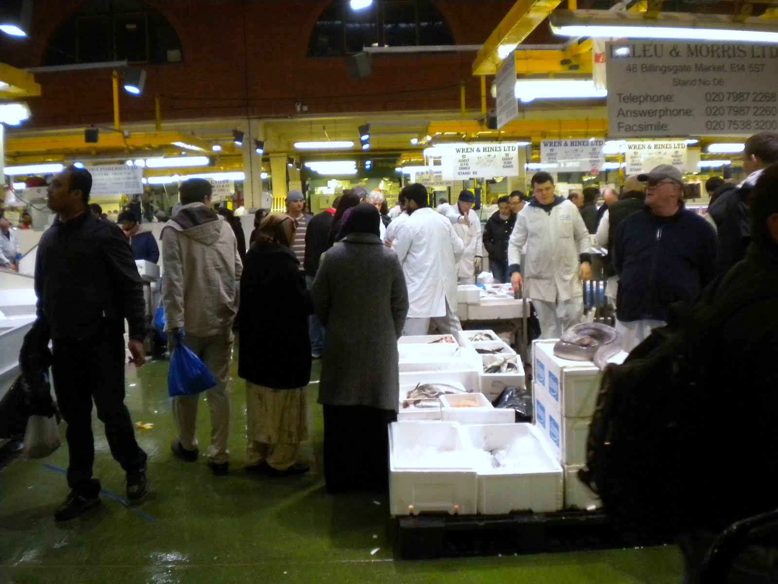 Curious kai billingsgate fish market london for Kai fish market
