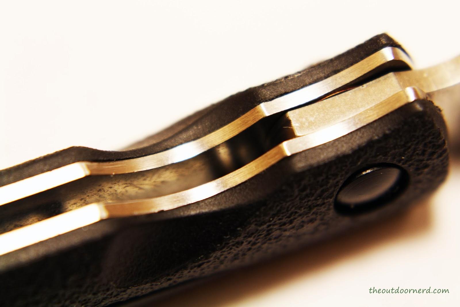 SanRenMu ZB-681 Pocket Knife - Closeup Of Handle 3