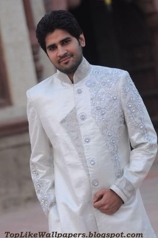 White Sherwani For Pakistani3d