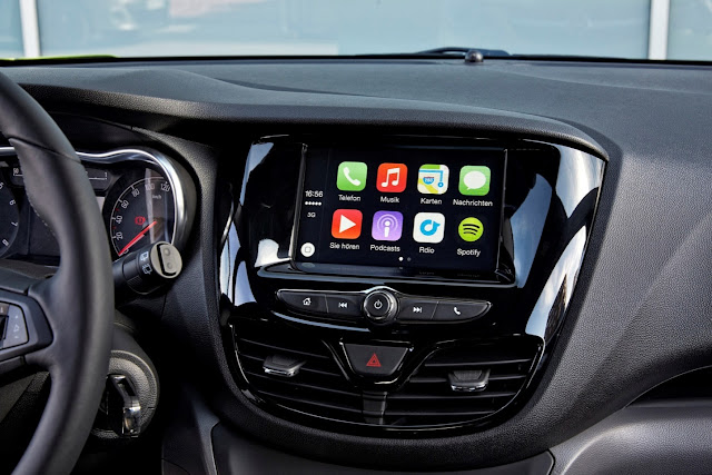 Apple CarPlay Dashboard Look & Feel
