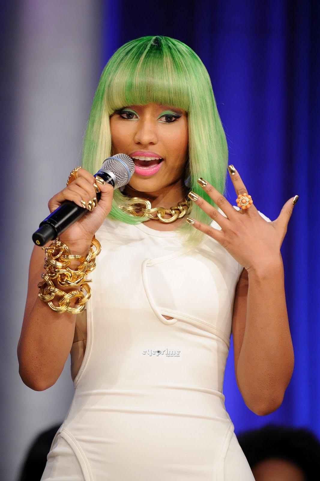 http://1.bp.blogspot.com/-qM54dagQryI/TvwPHia8rHI/AAAAAAAABZM/P581f2BPZMM/s1600/Nicki-Minaj-superbass-lyrics-album-hairstyles+%25288%2529.jpg