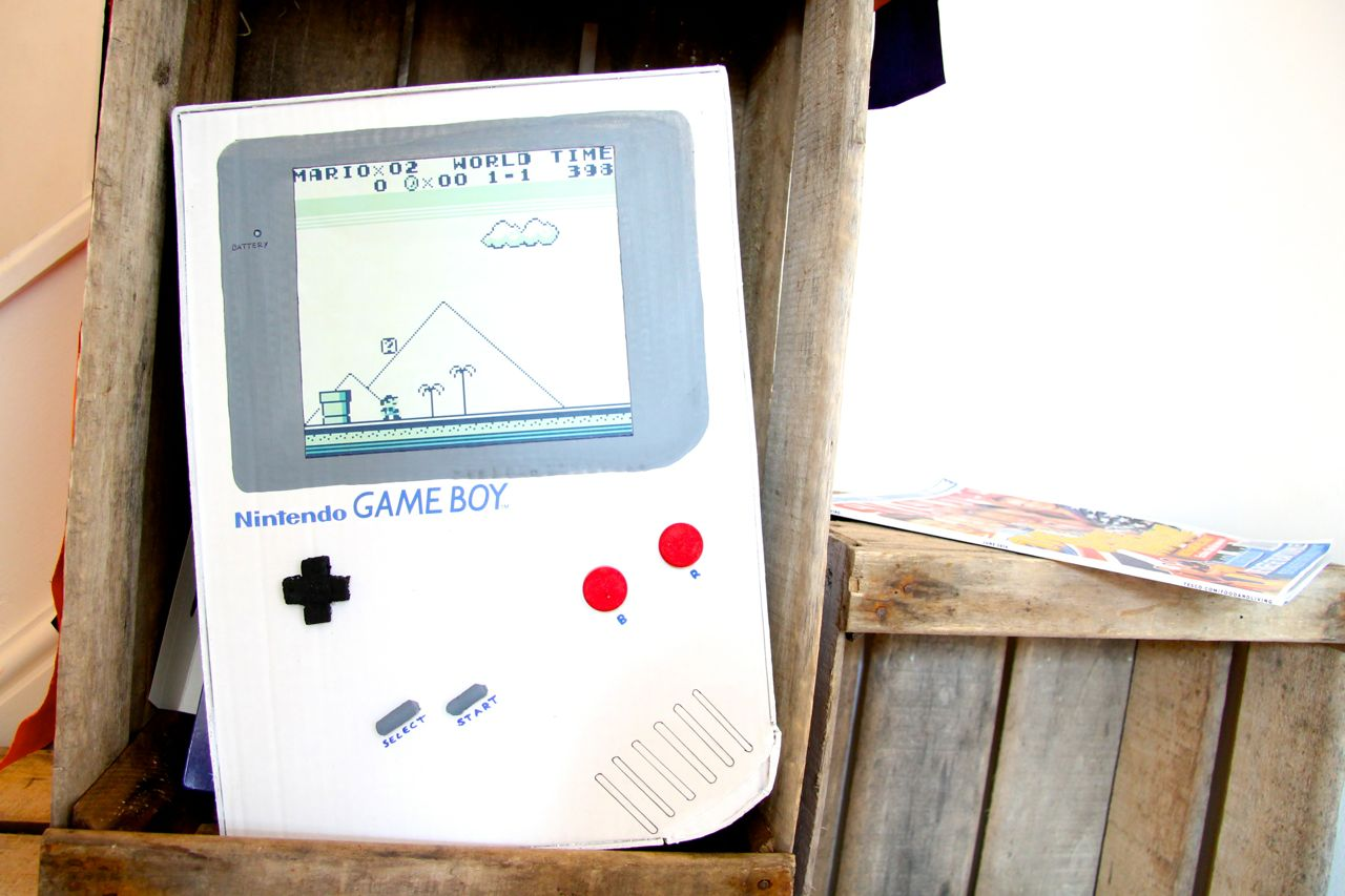 DIY giant cardboard gameboy