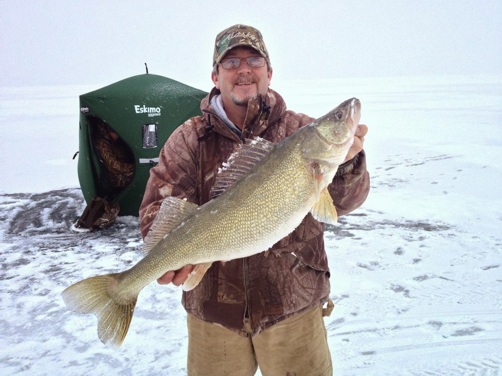 Lake erie walleye fishing reports february 2014 for Lake erie ice fishing