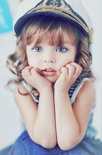 Foto Anak Perempuan Bermata Cantik