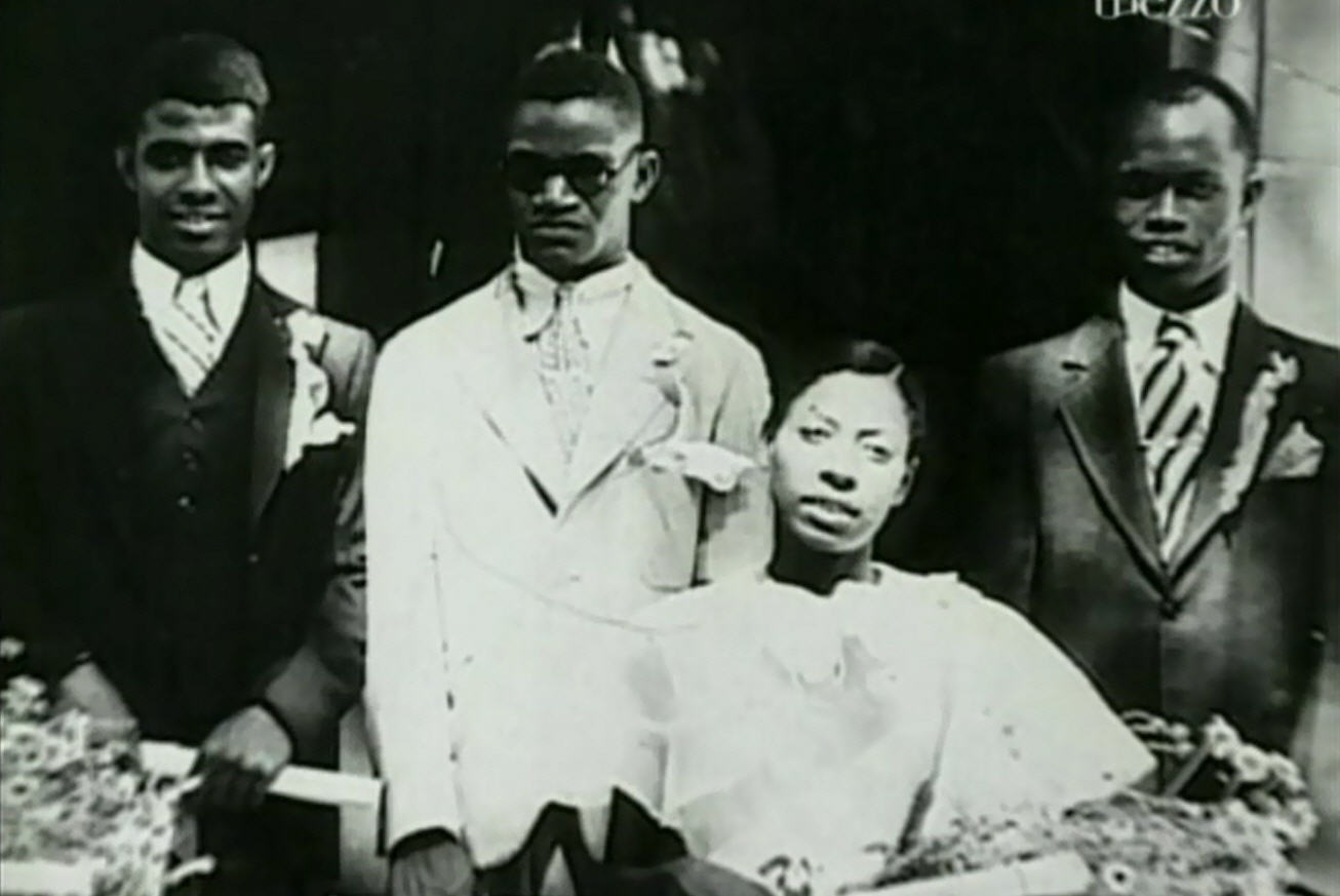 Ray Charles Wife that it shows Ray with his