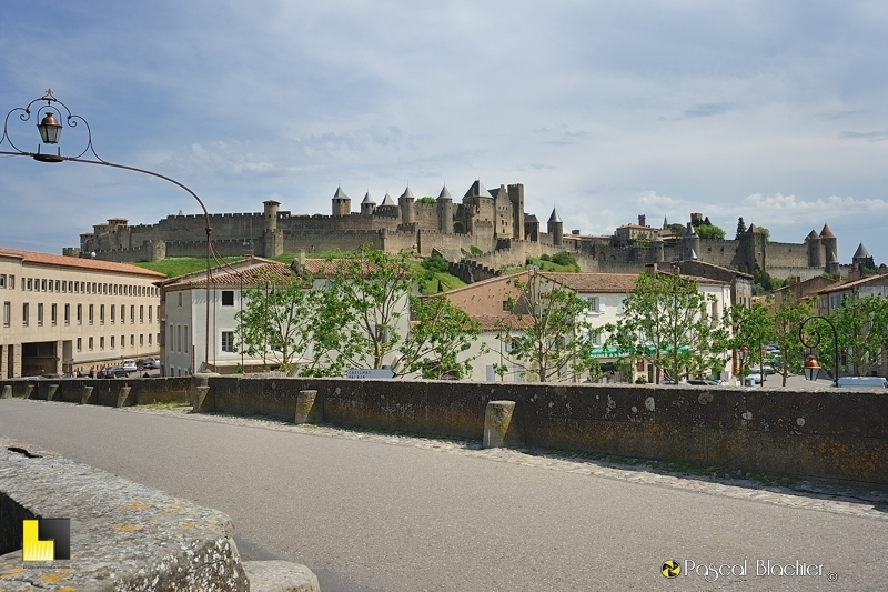 La cité de Carcassonne de la rivière Aude photo pascal blachier