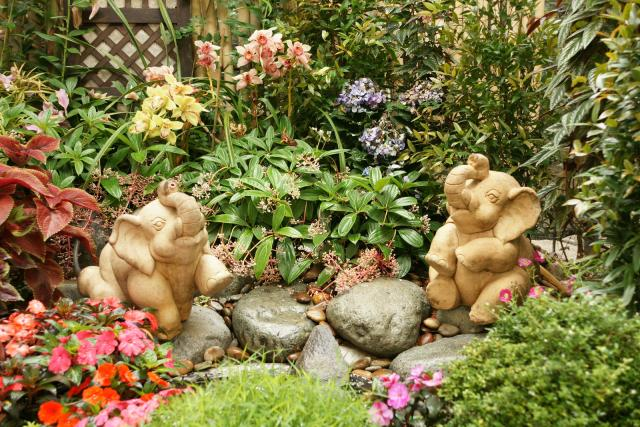Garden decoration ideas interior decorating idea for Garden design decoration