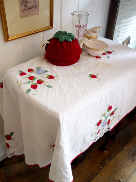 Love From Hetty Amp Dave How To Make A Tablecloth Skirt