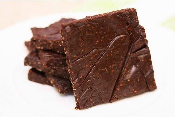 Chocolate-Chia-Energy-Bars