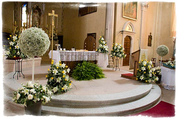 OK In This Post I Will Be Give You Some Pictures Of The Wedding Church Decorations