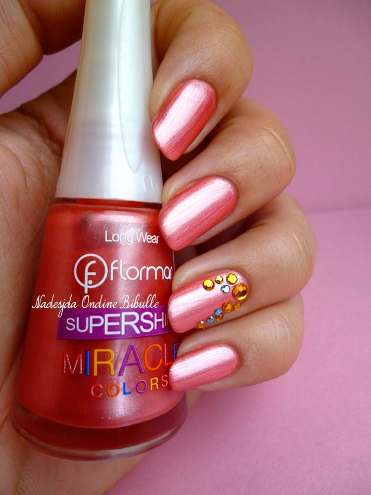Des ongles effet-bijoux, très colorés, article spécial Printemps! (Flormar Supershine Miracle U21)