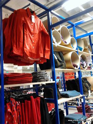 интерьер атмосфера магазина одежды -2