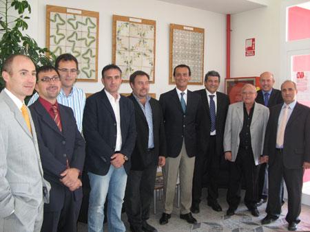 El Consell impulsa con el ITC un proceso innovador para eliminar contaminantes durante la cocción de baldosas
