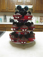mickey mouse clubhouse cupcakes cake