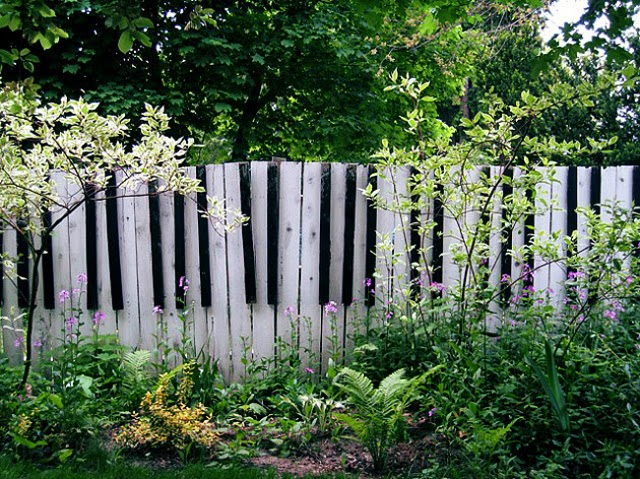 Garden Fence Decoration Ideas 25 creative ideas for garden fences decorate like you do indoors Decorative Garden Fencing Ideas The Gardening