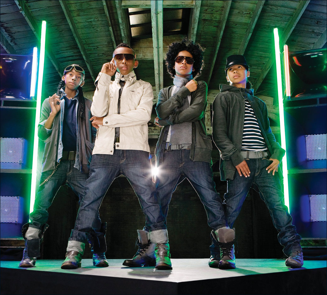 http://1.bp.blogspot.com/-qOQstAByQ-k/UAlrcW4MP7I/AAAAAAAADDc/bEp6Eh_nIKY/s1600/MINDLESS-BEHAVIOR-roc-royal-mindless-behavior-27130685-1040-940-708593.jpg